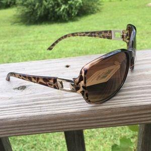 Foster Grant NWT Leopard Print Sunglasses